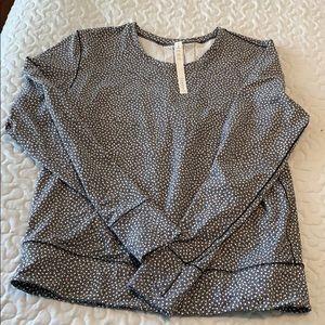 Lululemon long sleeve top size 10